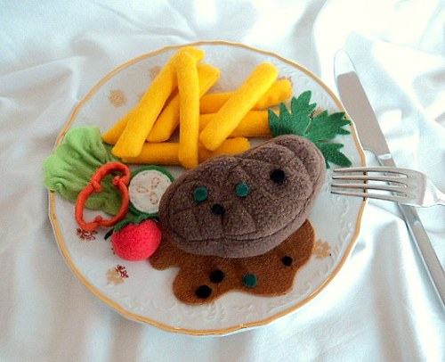 Hovězí steak s hranolky ( do dětské kuchyňky)