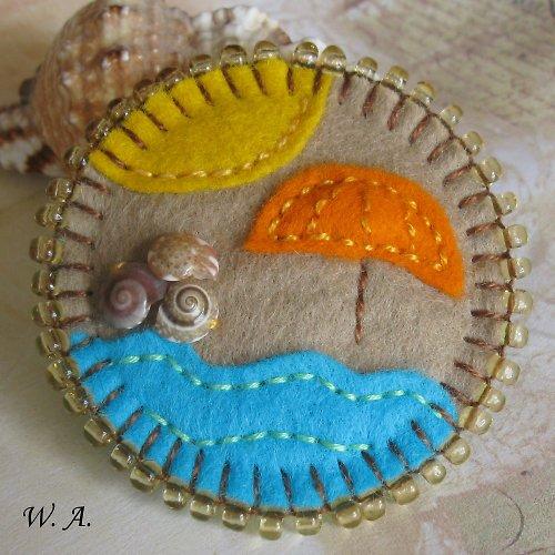 Plážová brož se slunečníkem