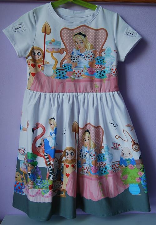 """Úpletove šaty pro holčičku \"""" Alenka v říši divů\"""""""