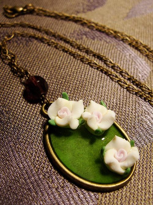 Rokoková růže - náhrdelník