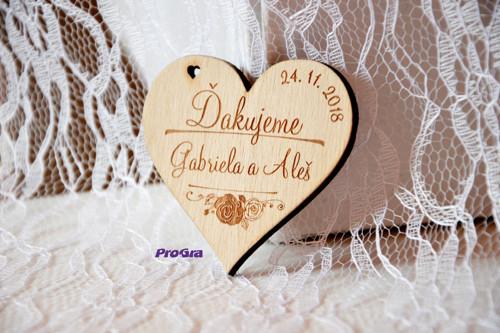 Dřevěná magnetka - Vůně růží - svatební