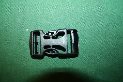 Plastová spona/trojzubec 25 mm