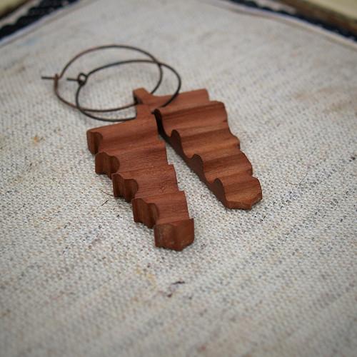 Dřevěné naušnice XVIII.