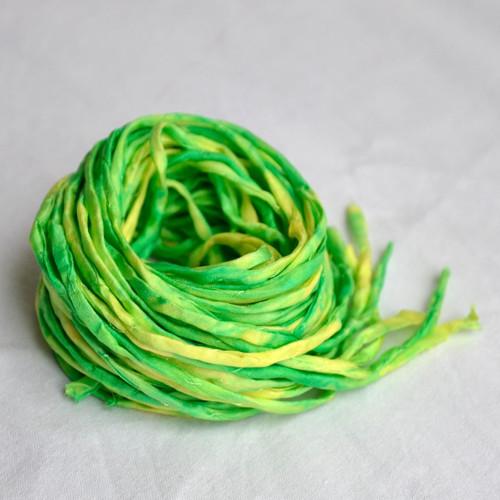 Hedvábná šňůrka žluto-zelená
