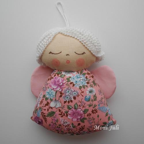 Malý andílek květinkový