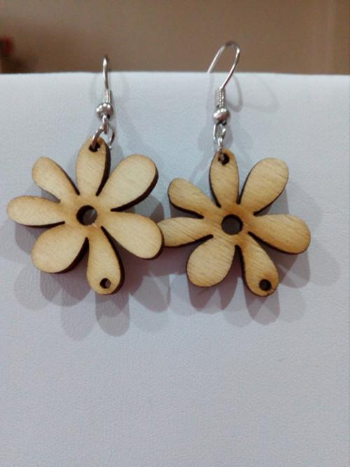 přírodní kytičky dřevěné