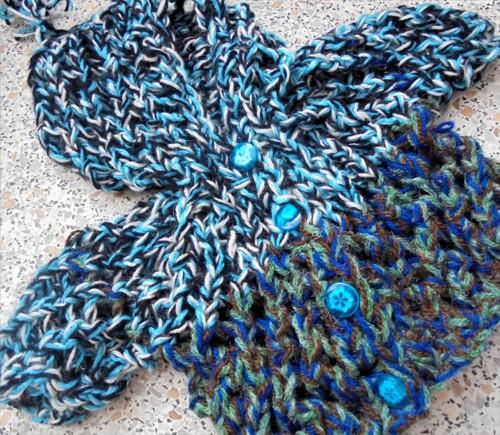 Pletený svetřík s kapucí- 45 cm