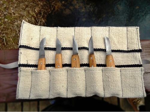 Sada 5 řezbářských nožů v rolovacím pouzdru