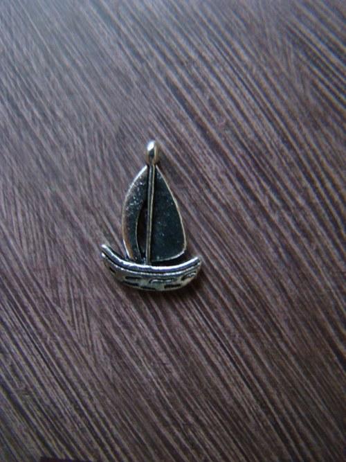 Kovový komponent - loďka