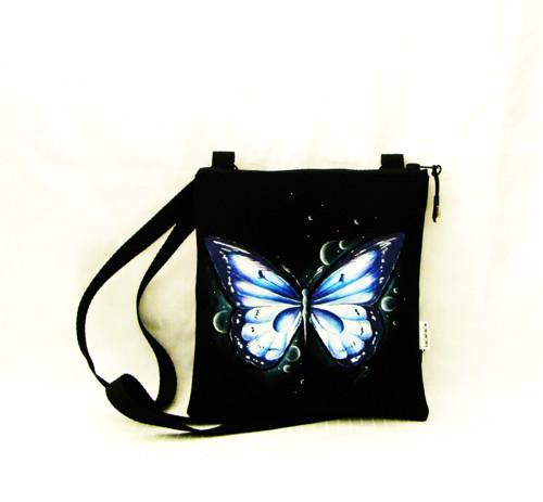 malá crossbody -modrofialkový motýl