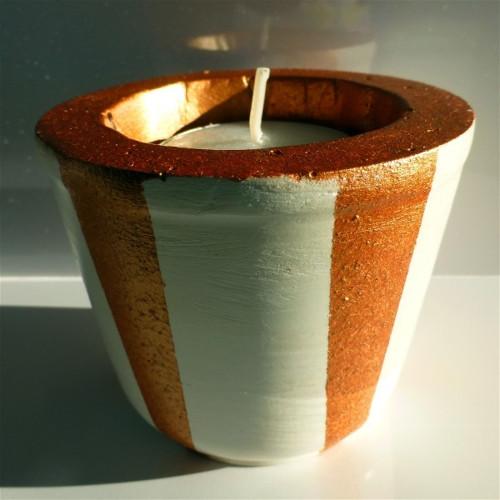 Elegantní svícen na čajovou svíčku