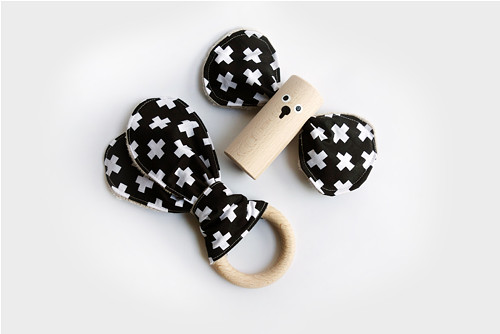 Černobílý set / zajíčkova ouška a bukový špalíček