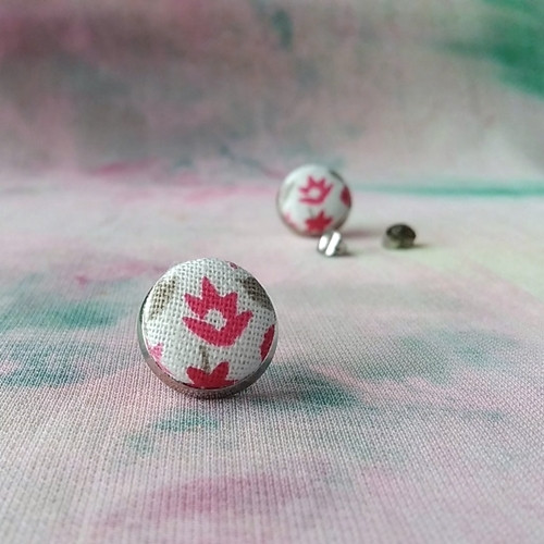 Náušnice butonky Tmavě růžové