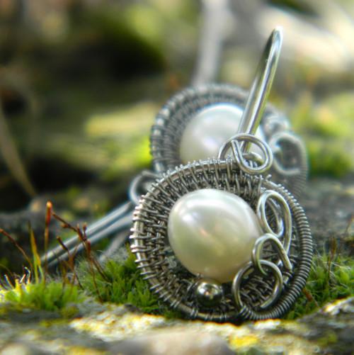 Kulaté bílé perly