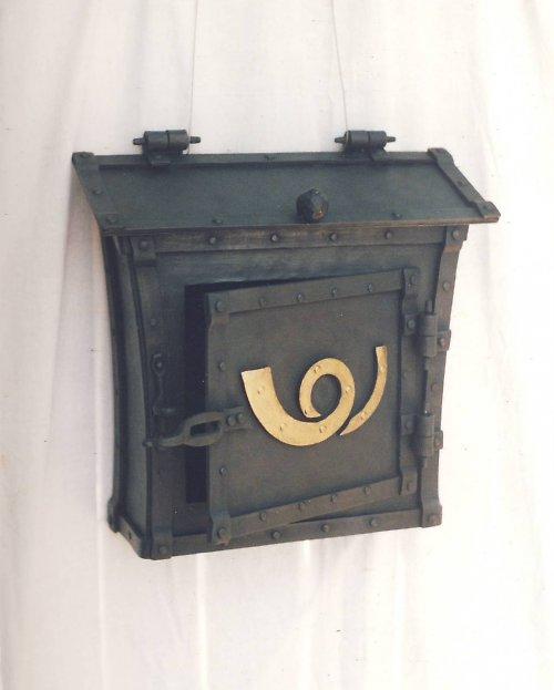 Kovaná dopisní schránka - nýtovaná