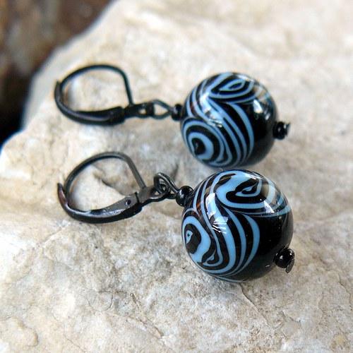 Náušnice točené koule, černá + modrá