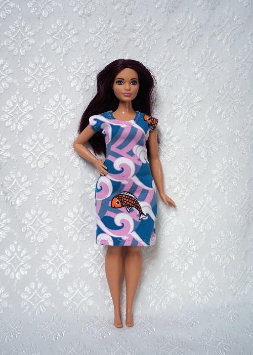 Šaty pro Barbie 2016 - curvy - baculku