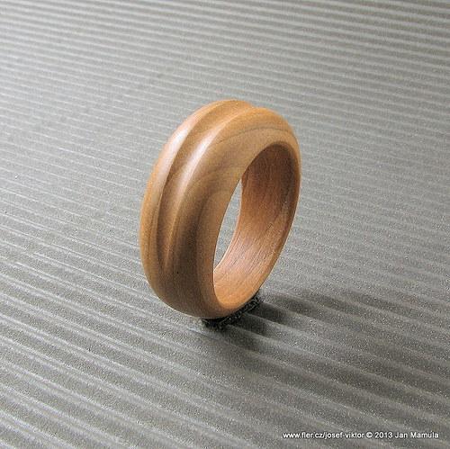 NIBELUNG dřevěný prstýnek