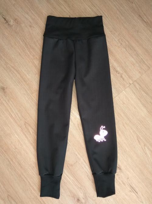 jarní/podzimní softshell kalhoty- černá
