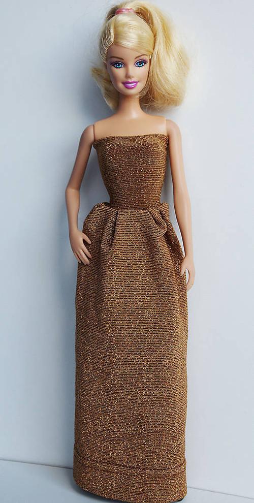 Medené šaty pre Barbie