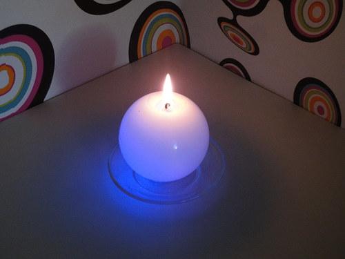 Vonná svíčka měnící barvy