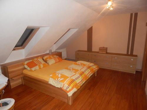 Dubová masivní postel+peřináč