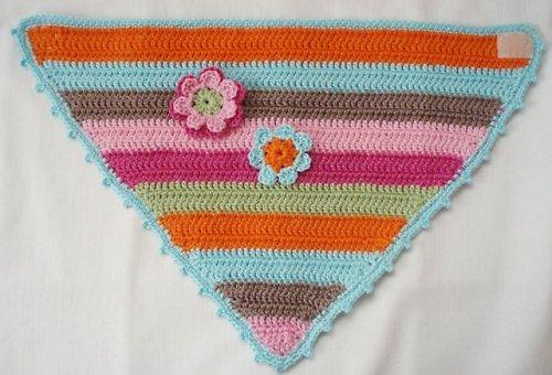 Háčkovaný šátek na krk