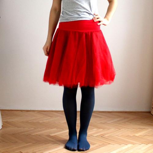 Tylová kolová sukénka :) červená