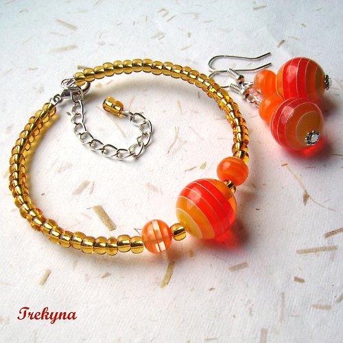 Pomeranče na náramku s náušnicemi