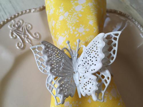 ubrousek s motýlem