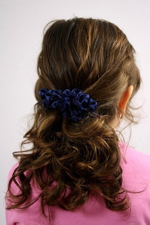 Modrý hřebínek do vlasů tmavěmodrý