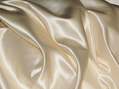 Atlas ivory, šiře 150 cm, cena je za 1 m.