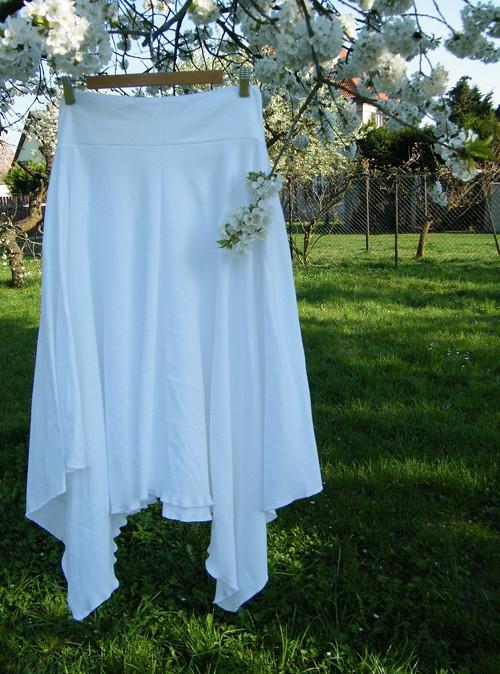 Cípatá sukně bílá