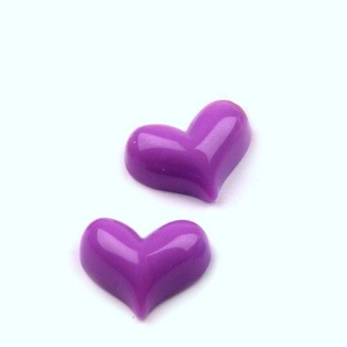 Srdce plastové - tmavší fialové - kabošon - 2 ks