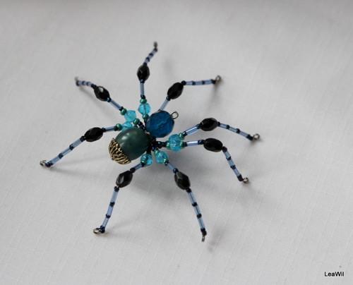 Pavouček pro arachnofobiky:-) kovově tmavo modrý