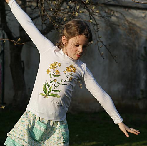 Tařice skalní ...dětské triko 6-8 let BIO