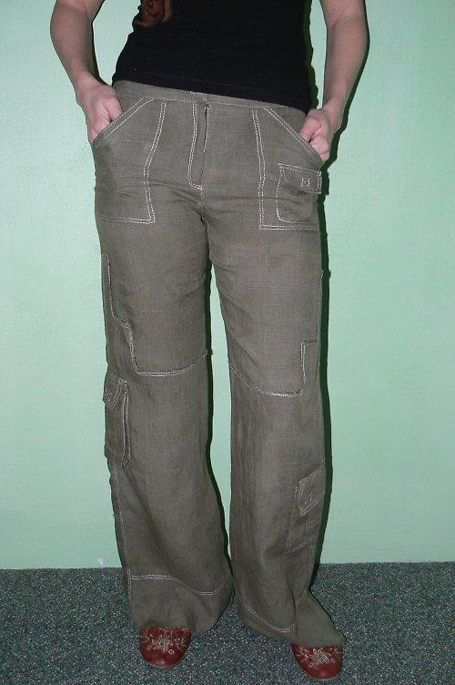 Zelené kalhoty SLEVA ze 460 kč