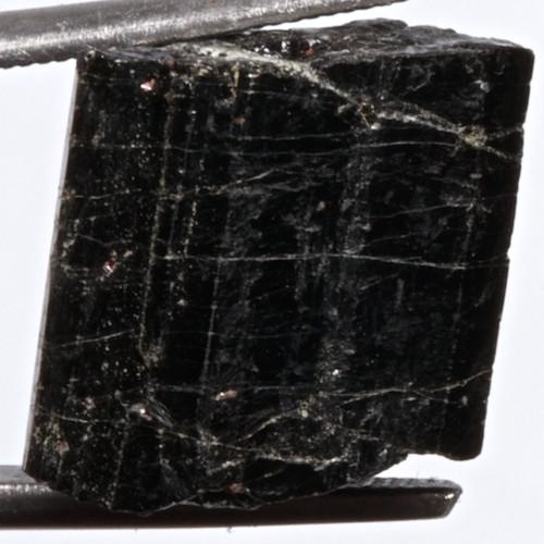 Turmalín černý (skoryl) - krystal