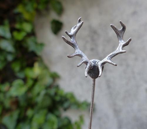 Jelen... stříbrná (Ag) jehlice do klopy