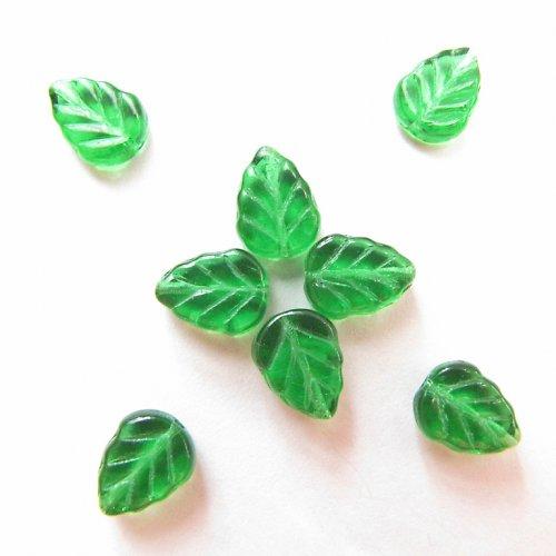 Lístky zelené korálky, 10/8 mm, 22 ks