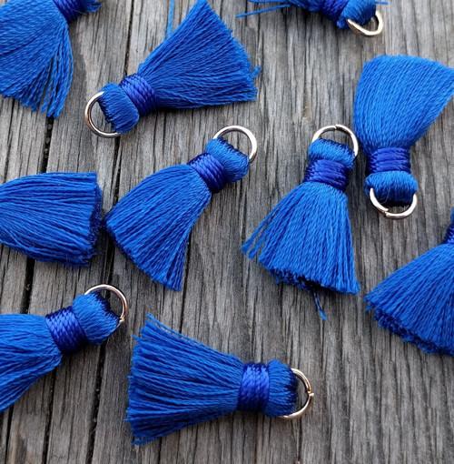 Luxusní ozdobné střapce - tm. modré, 2 kusy
