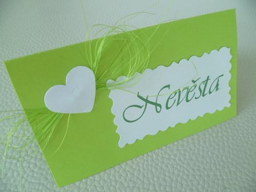 zelené  jmenovky na svatební stůl...