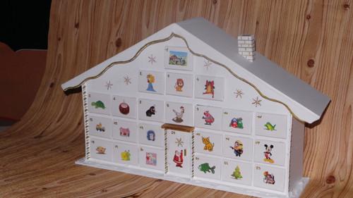 vánoční kalendář bílo - zlatý
