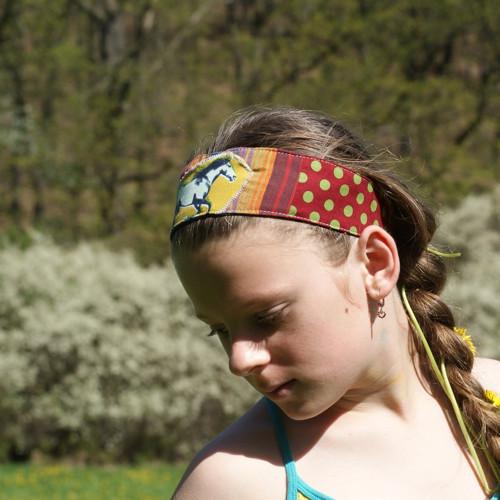 dubnové slunce II... dívčí čelenka s koníkem
