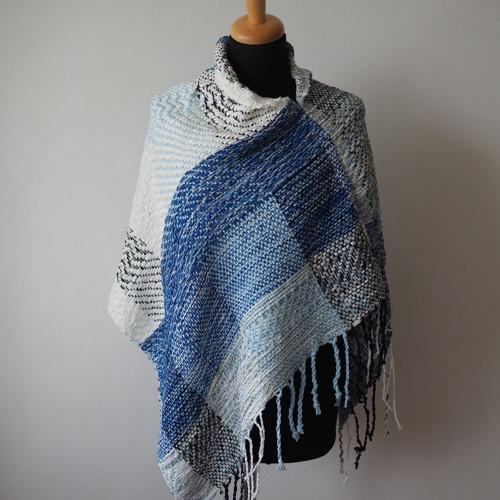 Modrá pěna - lehké  pončo ručně tkané