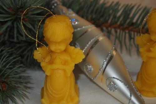 Ozdoby a svíčky z vosku - anděl hvězda