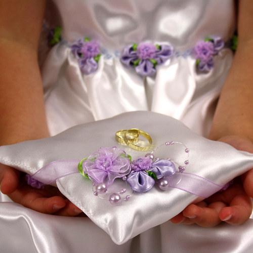 Láska na dlani...svatební polštářek