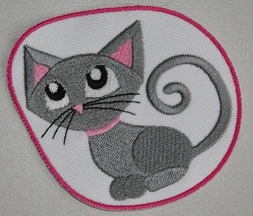 Nažehlovací výšivka Kočička 2