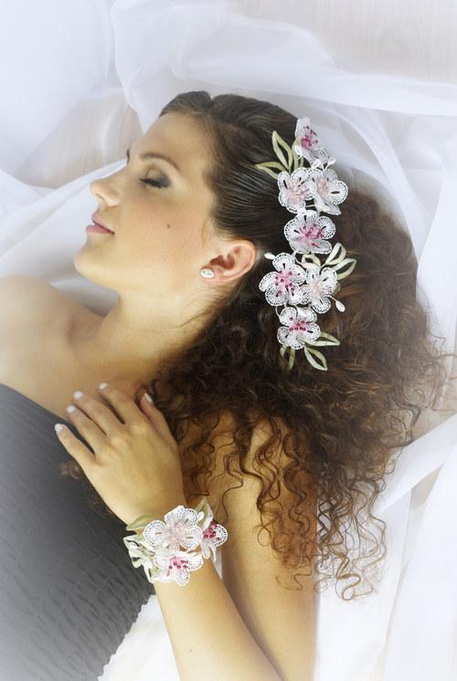 Třešňové květy-náramek