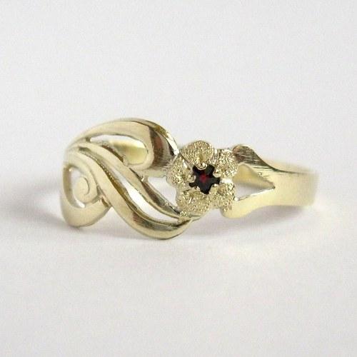 V květu (prsten, Au 585/1000)